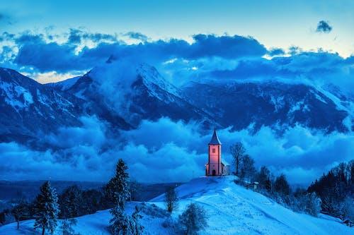 Безкоштовне стокове фото на тему «HD шпалери, блакитний фон, вершина гори»
