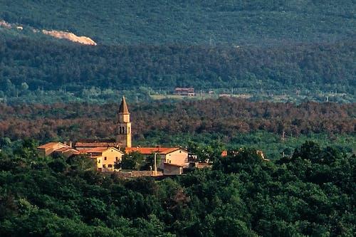 Foto d'estoc gratuïta de karst village