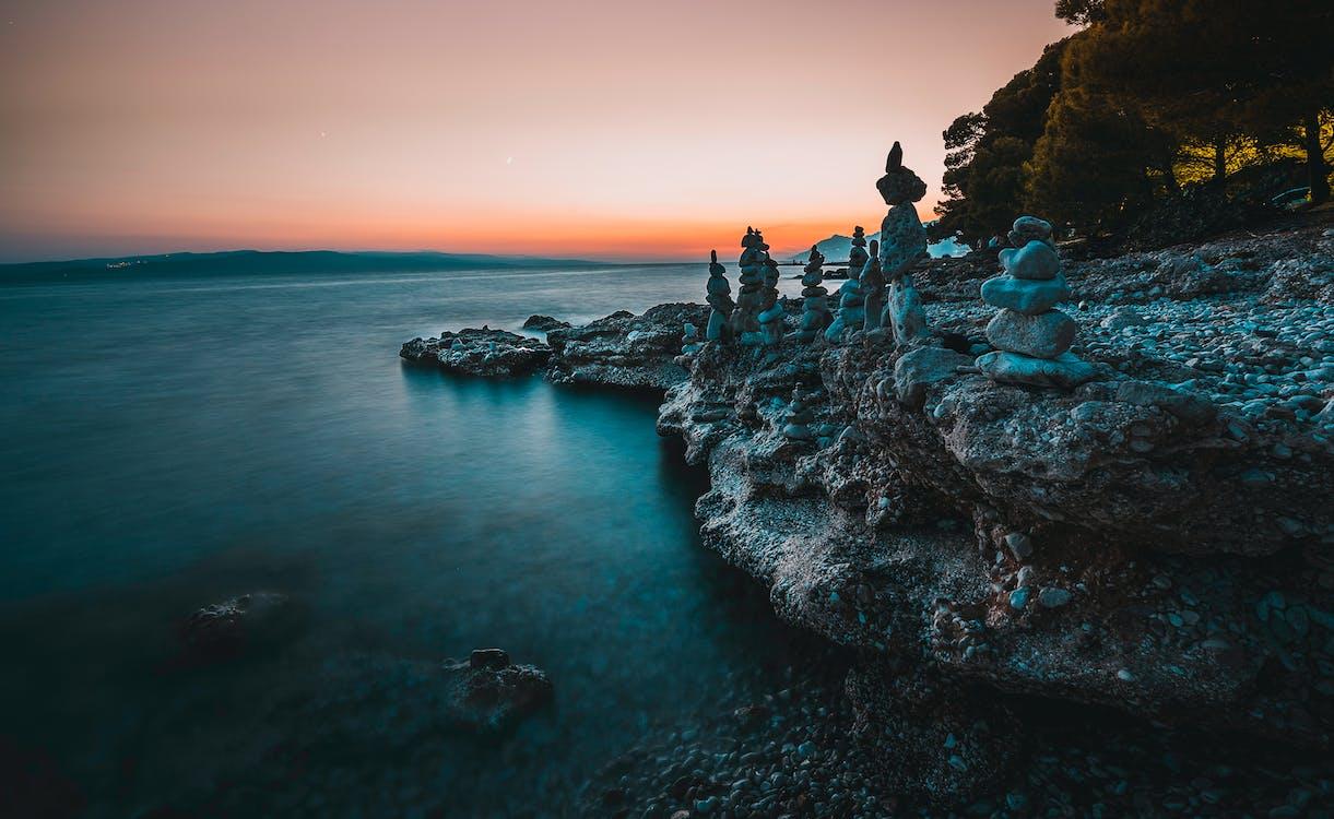 баланс, берег моря, вечір