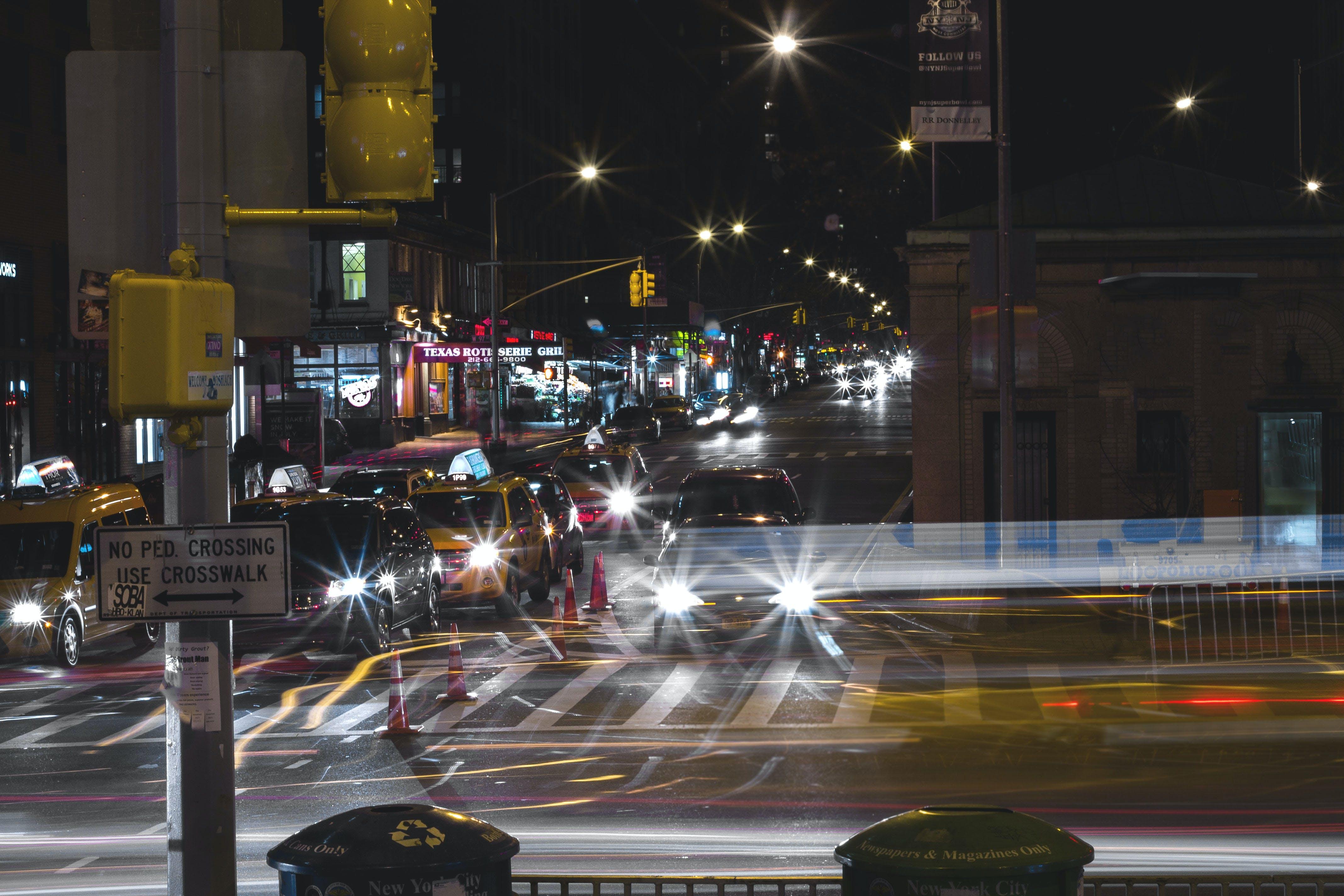 Foto profissional grátis de 96th st, automóveis, Broadway, exposição longa