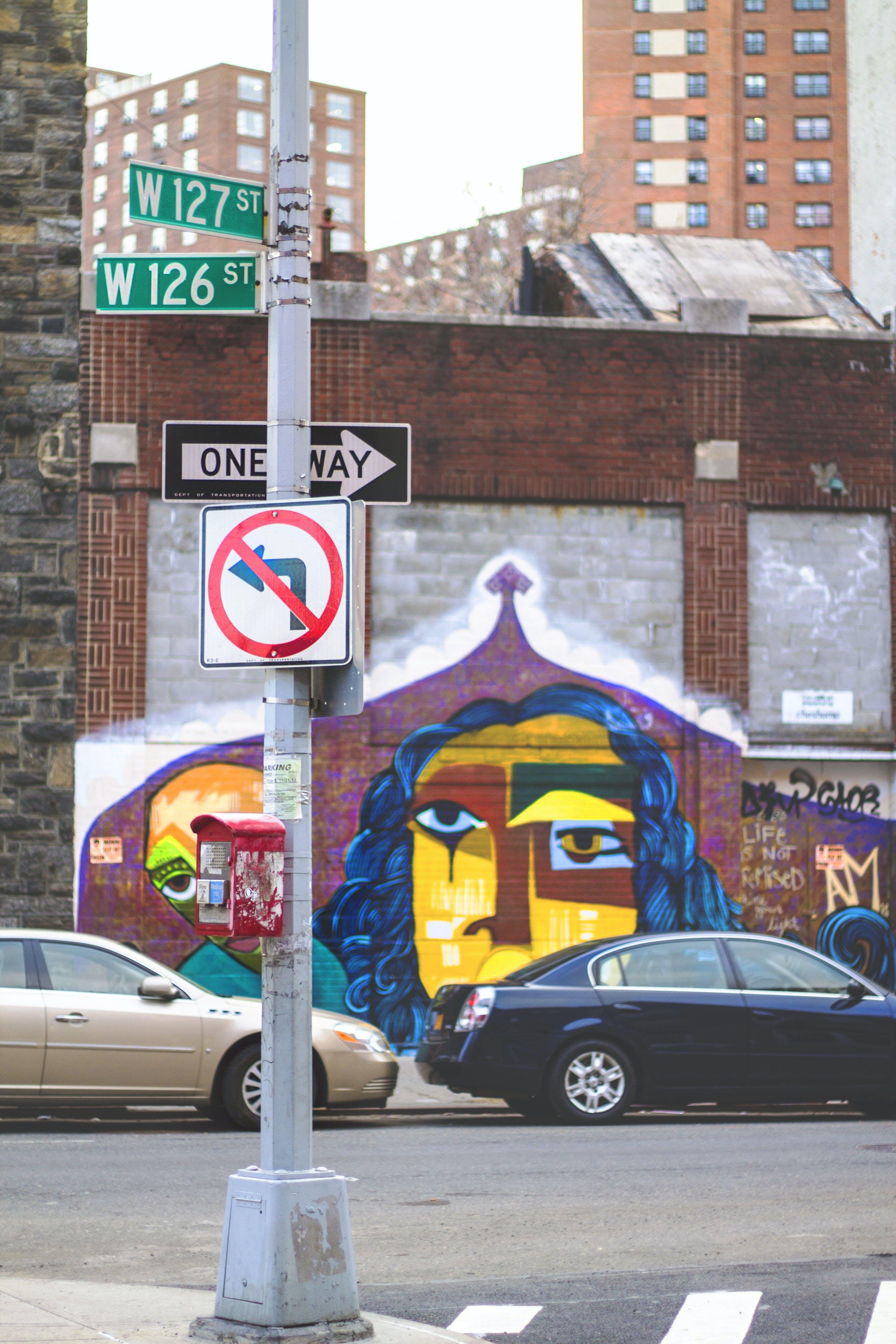 Foto profissional grátis de arte de rua, graffiti, harlem, mão única