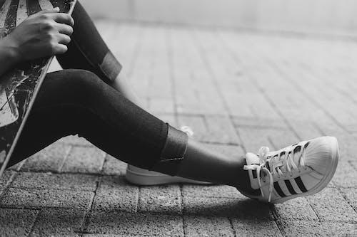 Immagine gratuita di bianco e nero, calzature, moda, scarpa