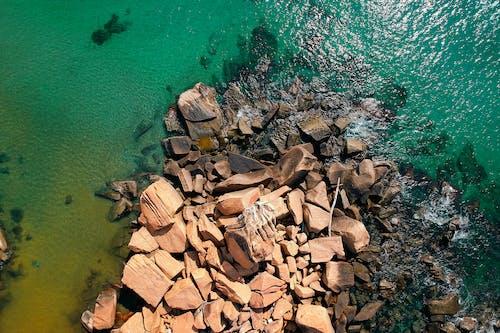 Darmowe zdjęcie z galerii z głazy, kolory, krajobraz, morze