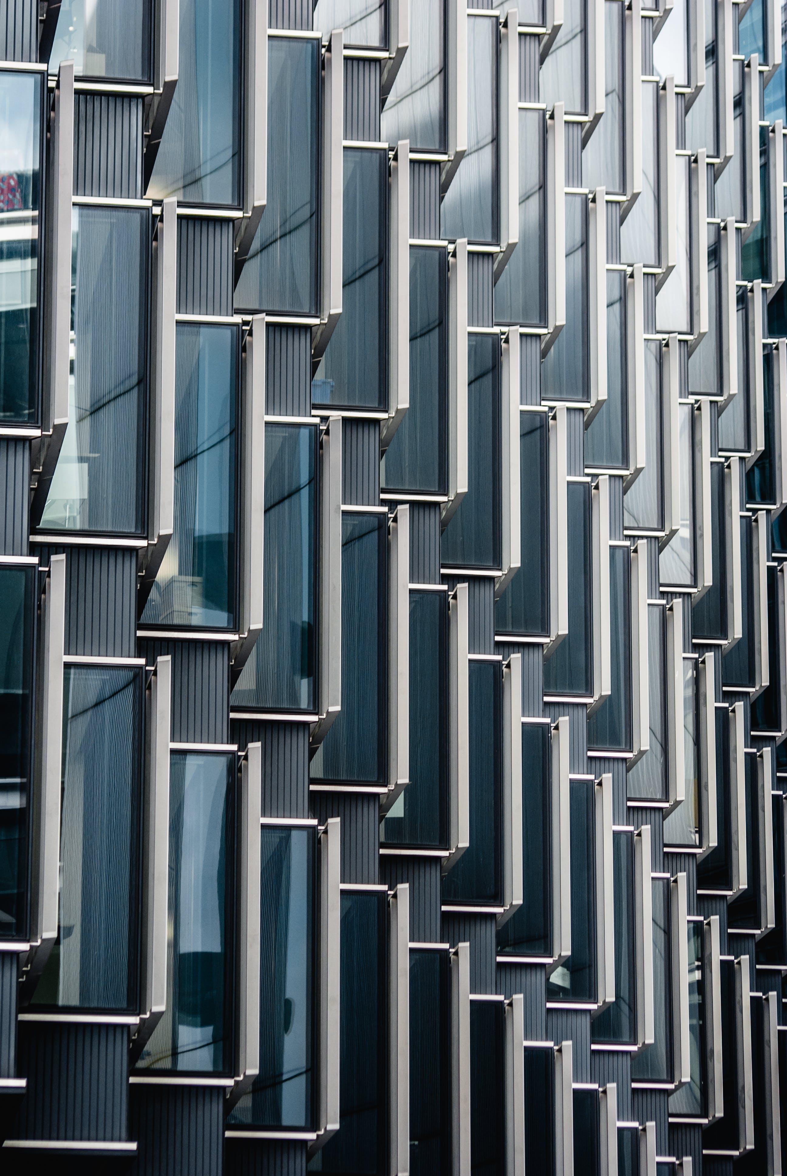 Darmowe zdjęcie z galerii z aluminium, architektura, kształt, metal
