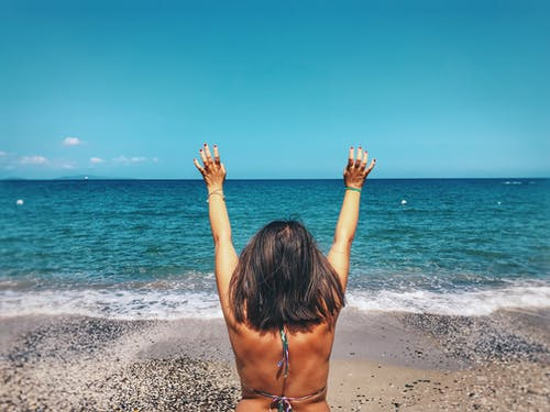 Fotos de stock gratuitas de agua, bikini, costa, disfrute