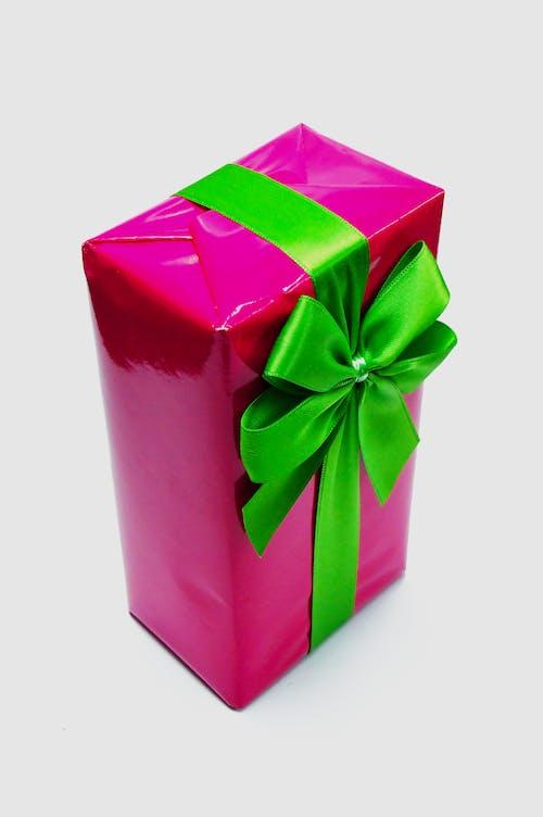 Gratis lagerfoto af bånd, bue, emballage, jul