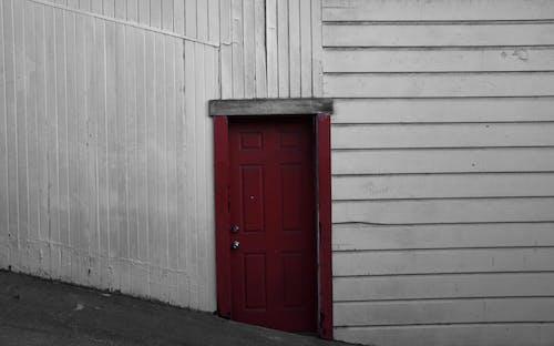 Darmowe zdjęcie z galerii z czerwony, deska, drewniane drzwi, drewno
