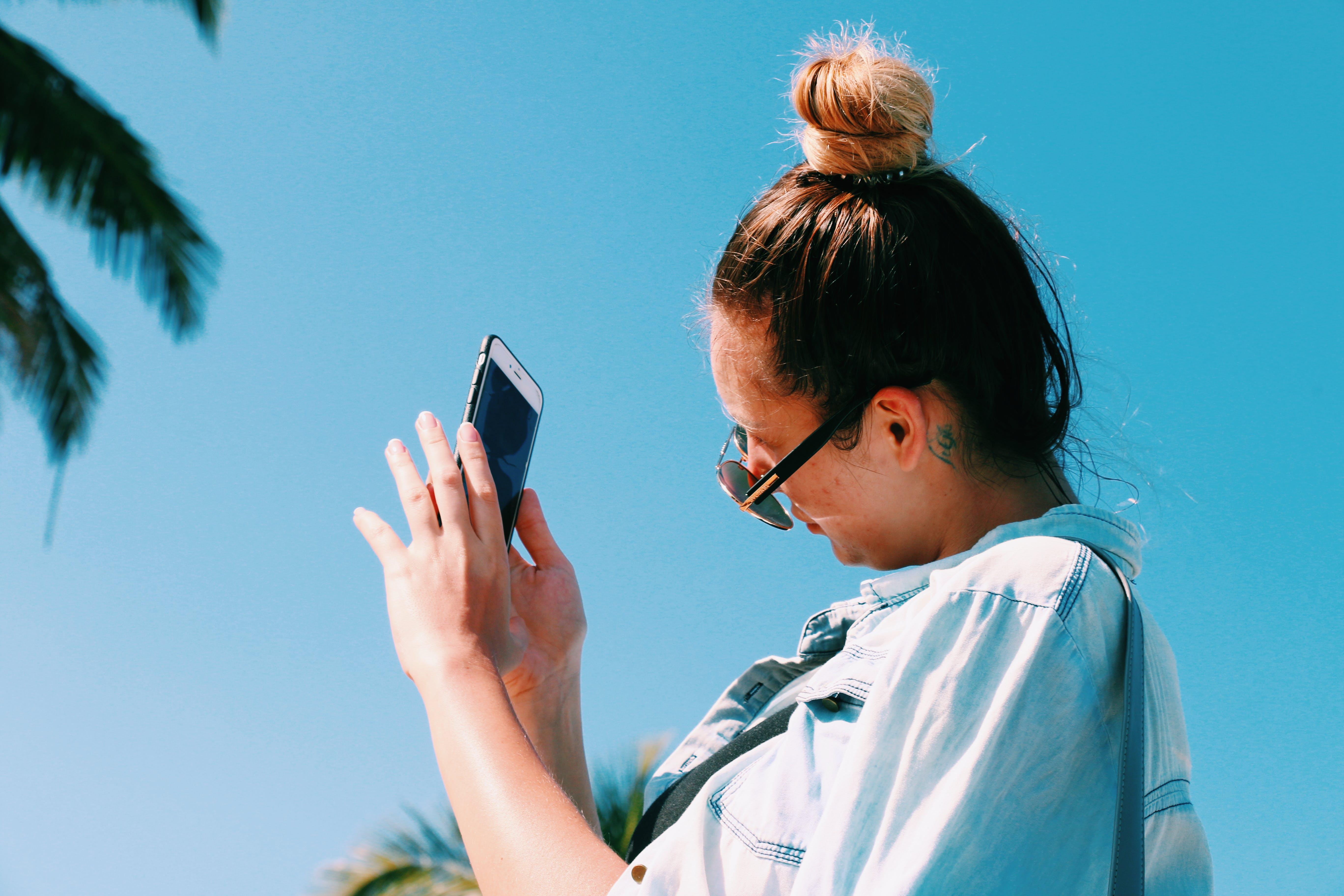 Kostenloses Stock Foto zu am meer, blauer himmel, draußen, felsen
