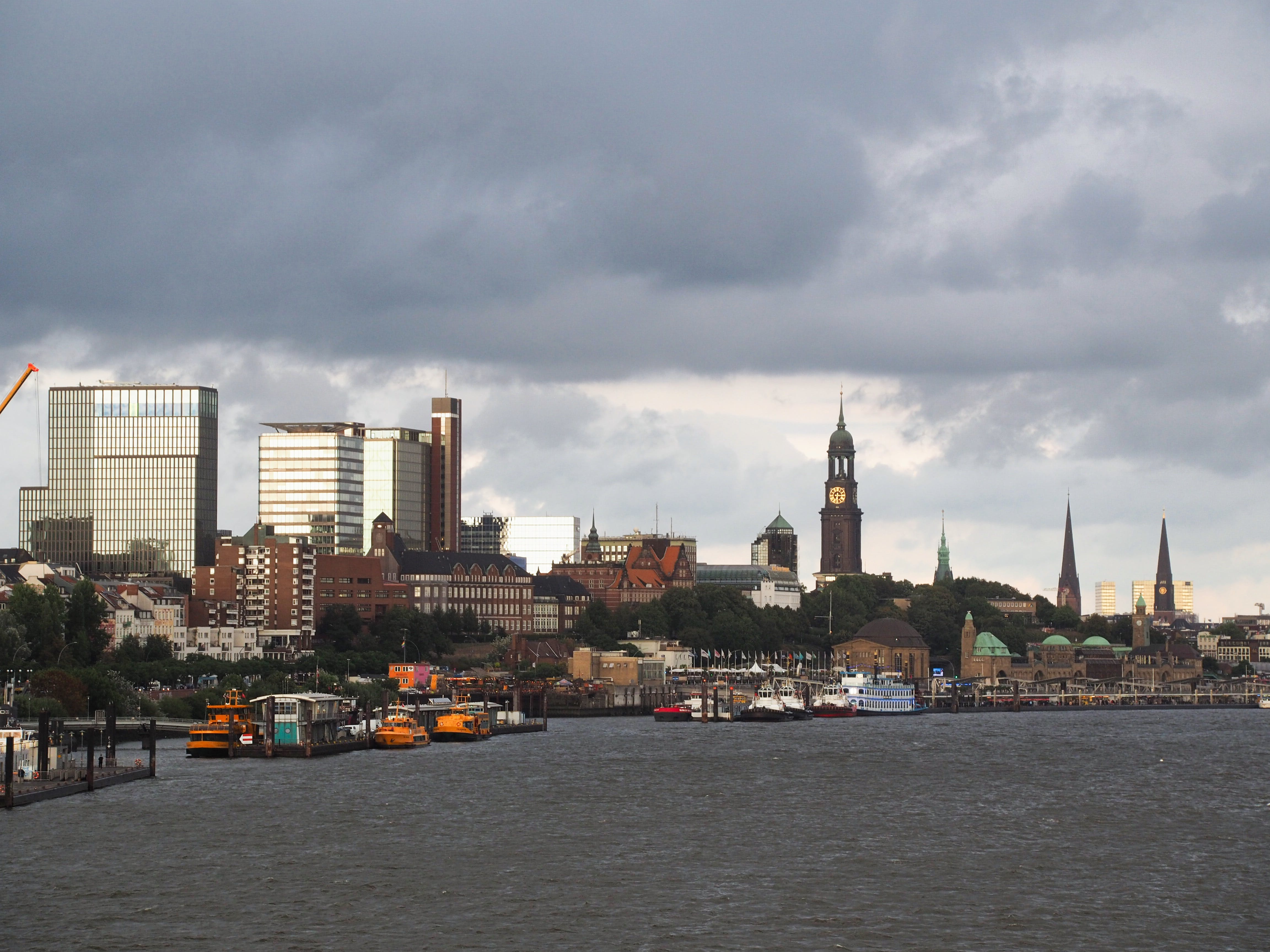 ハンバーグ, 教会, 港, 高層建築物の無料の写真素材