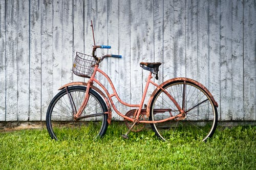 Безкоштовне стокове фото на тему «велосипед, денний час, іржавий, класичний велосипед»