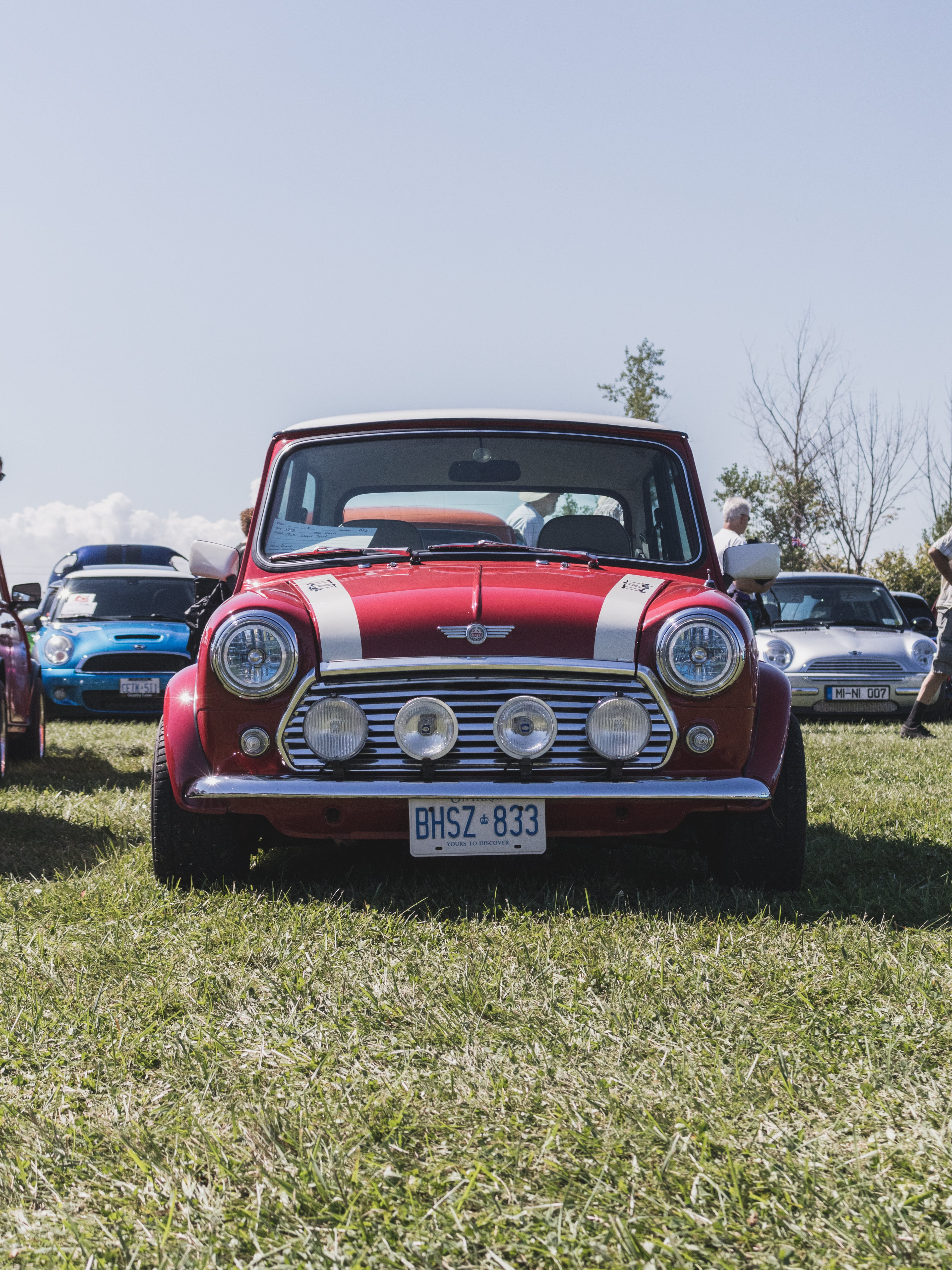 White And Red Mini Cooper