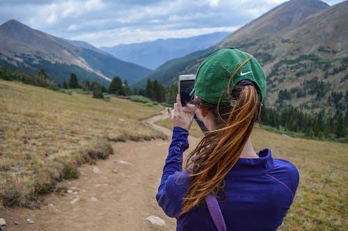 Foto stok gratis alam, bukit, cewek, dewasa