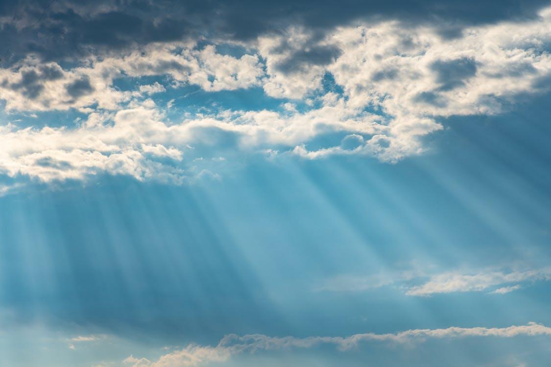 błękitne niebo, chmury, dramatyczny
