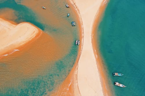 Foto d'estoc gratuïta de aigua, barques, barra de sorra, des de dalt