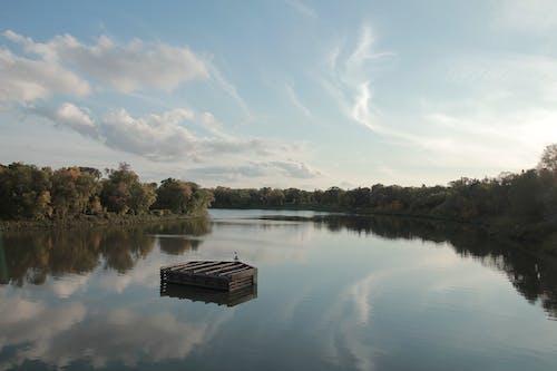 Immagine gratuita di acqua cristallina, cielo, cielo sereno, fine settimana