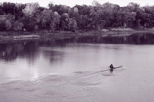 Immagine gratuita di barca, bnw, fare kayak, fine settimana