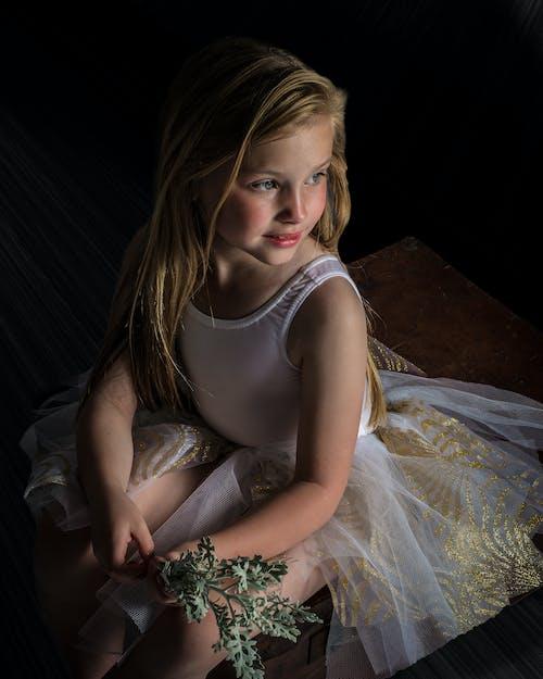 Gratis lagerfoto af barn, blond, kjole, mode