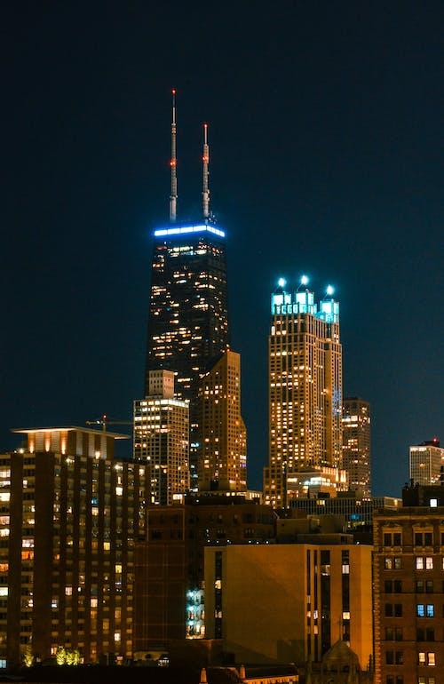 Gratis lagerfoto af aften, arkitektur, belyst område, by