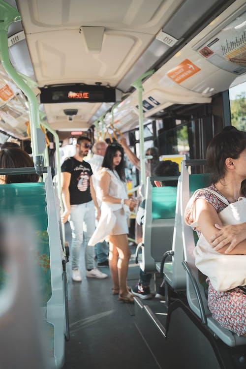 Foto stok gratis angkutan, bepergian, dalam ruangan, dewasa