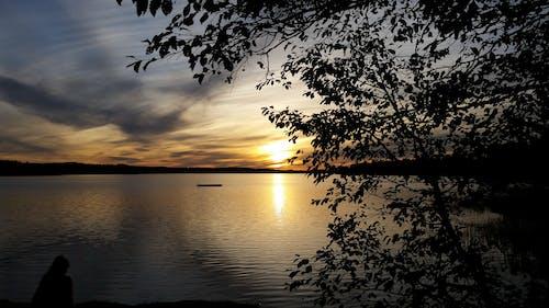 Gratis lagerfoto af gylden sol, himmel, Mirror lake, skyformation