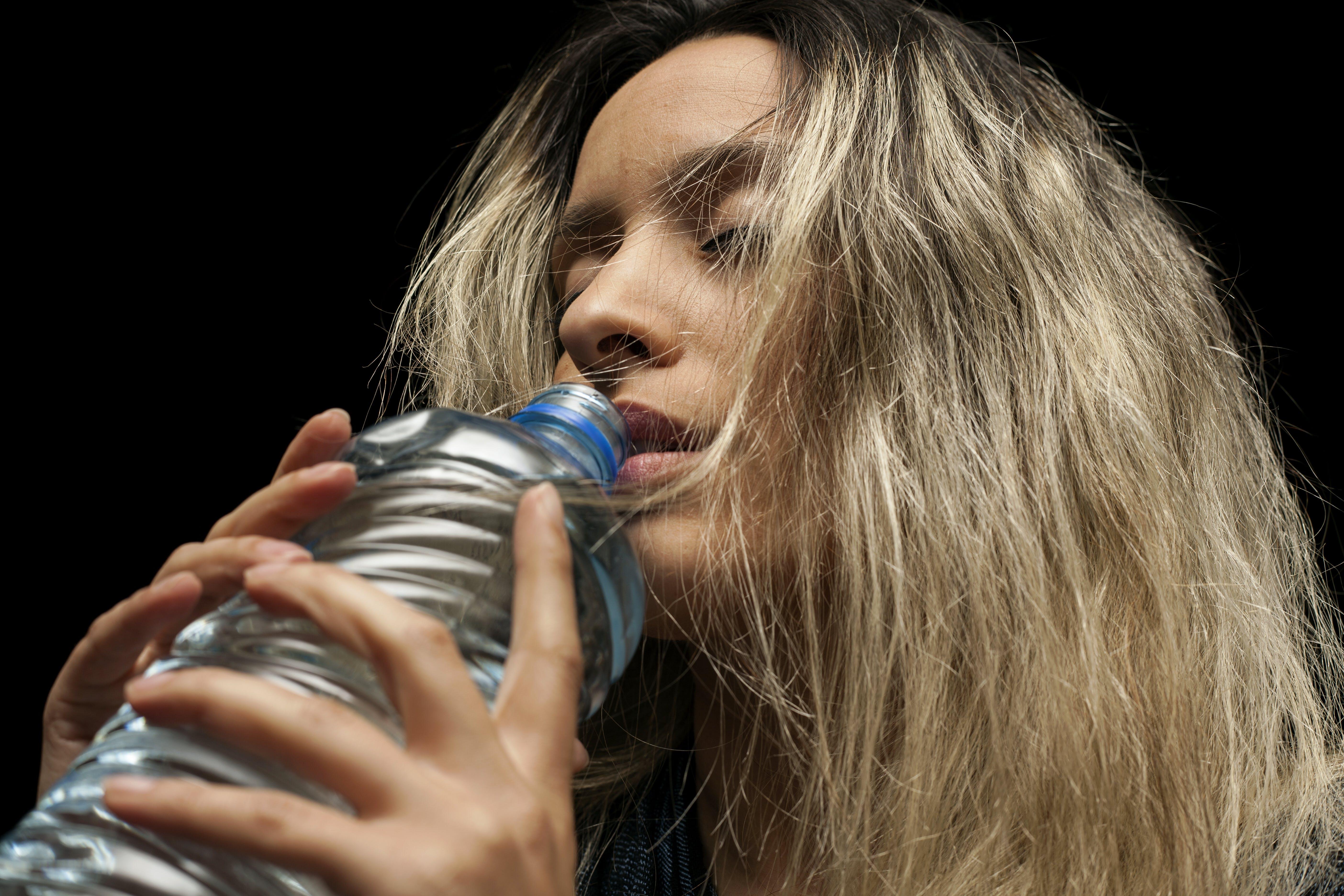 Fotos de stock gratuitas de actitud, agua, bebiendo, bonita