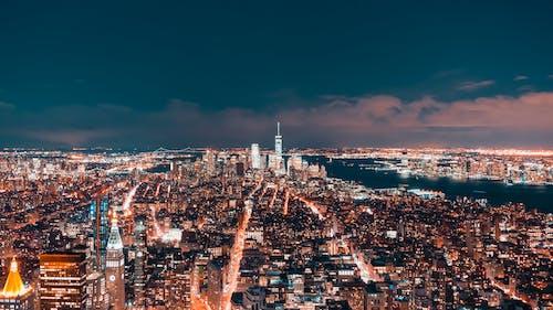 Gratis lagerfoto af arkitektur, by, byens lys, bygninger