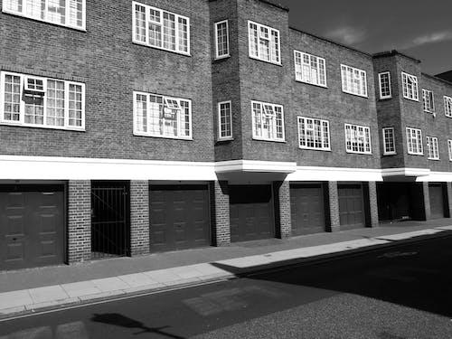 Δωρεάν στοκ φωτογραφιών με αρχιτεκτονική, ασπρόμαυρο, αστικός, διαμέρισμα