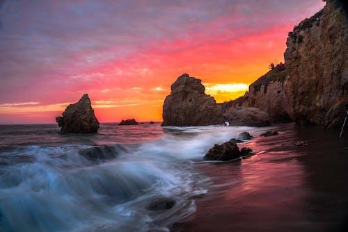 akşam, bulutlar, dalga, dalgalar içeren Ücretsiz stok fotoğraf
