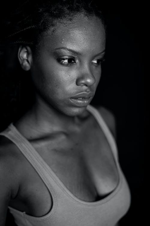 Безкоштовне стокове фото на тему «Бразильський, вираз обличчя, вродлива, дорослий»