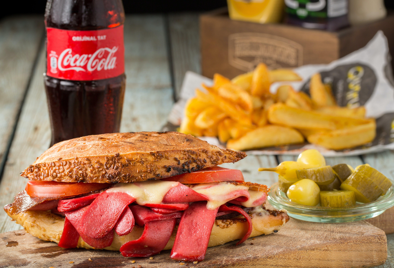 Foto d'estoc gratuïta de ampolla, àpat, carn, casolà