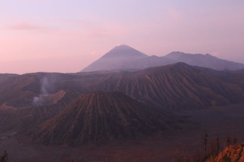 Gratis stockfoto met rode lucht, vulkaan, zonsopkomst