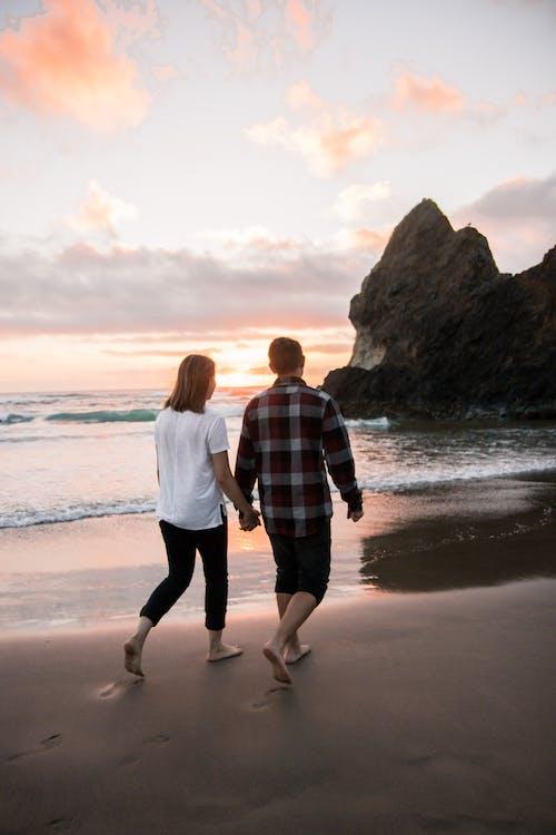 カップル, ビーチ, 愛, 日没の無料の写真素材