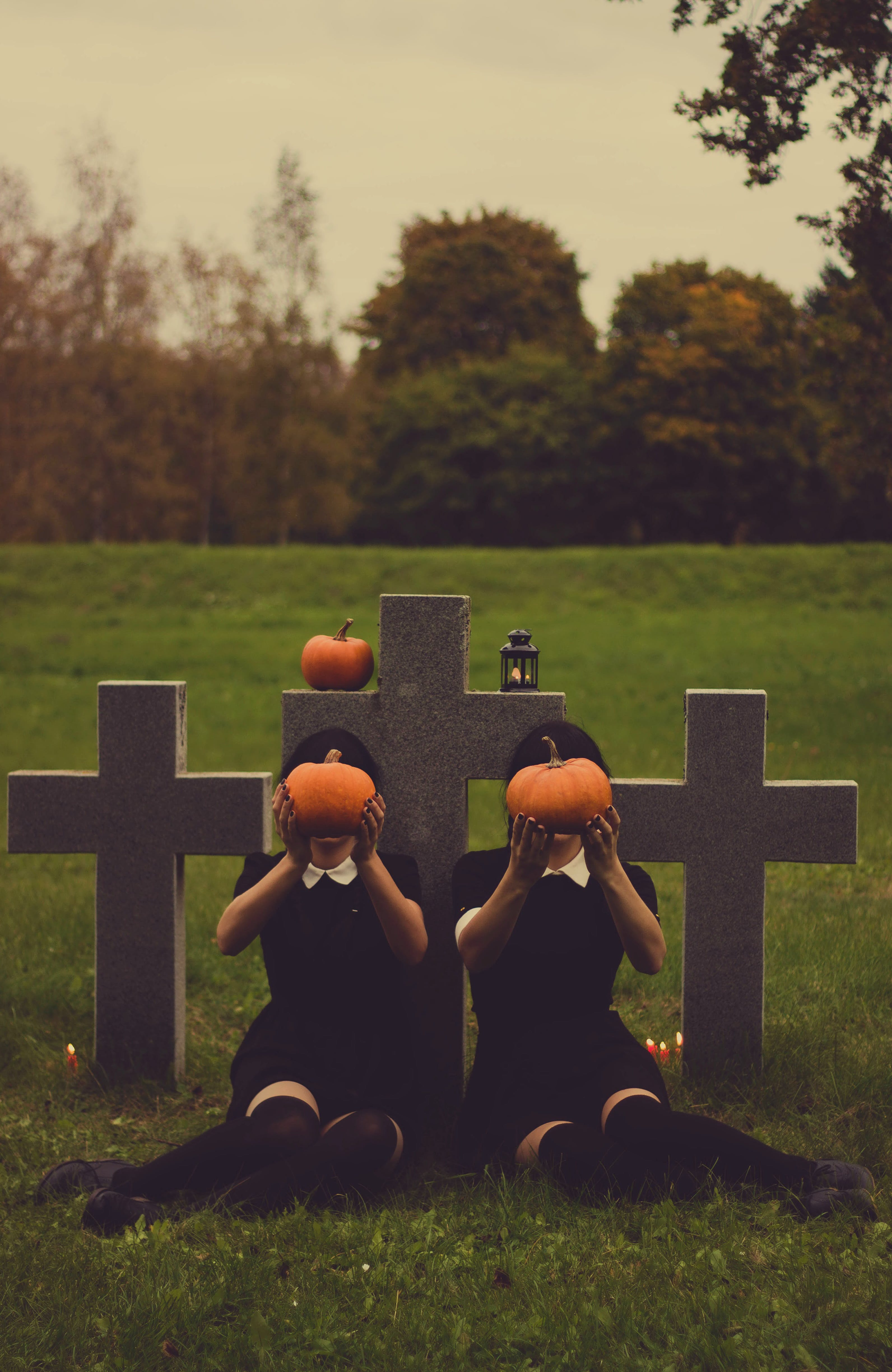 creepy, graves, gravestones