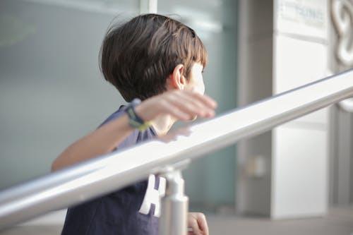 Základová fotografie zdarma na téma chlapec, děti, jít nahoru, klika