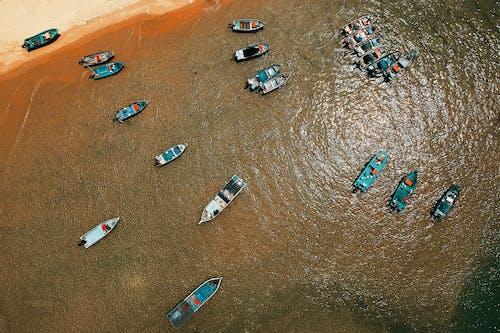 Imagine de stoc gratuită din ambarcațiuni, apă, bărci, faleză