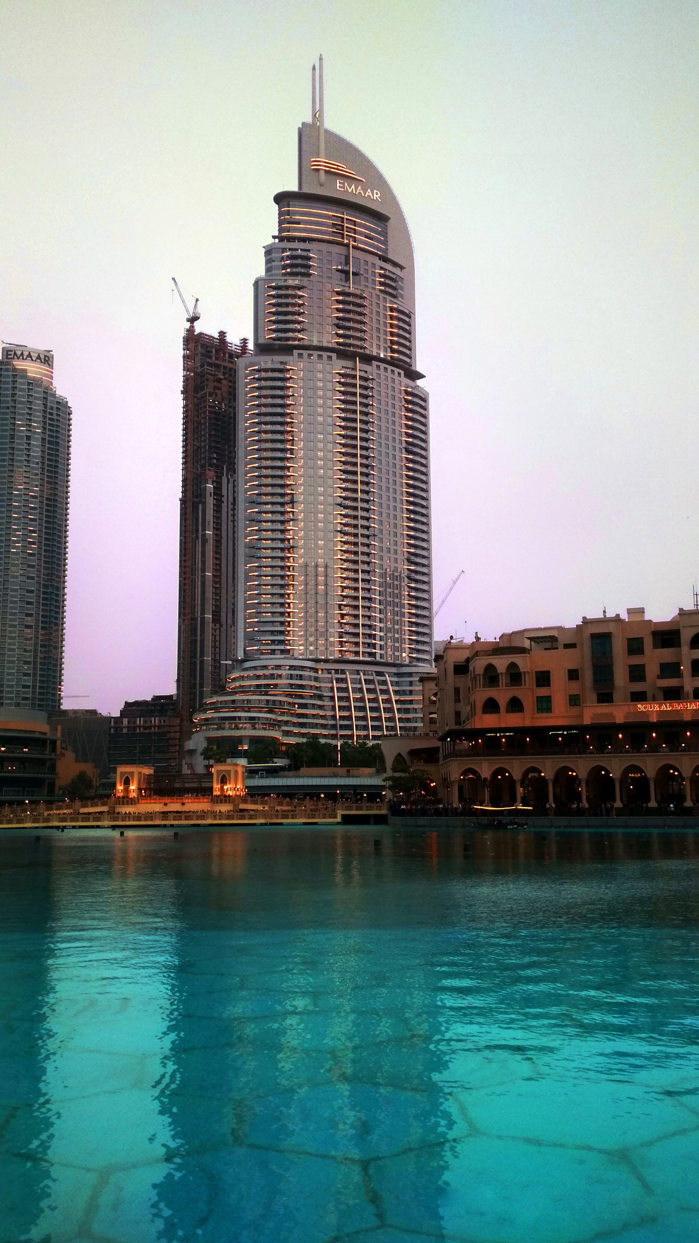 Ingyenes stockfotó alacsony szögű felvétel, belváros, ég, emaar témában
