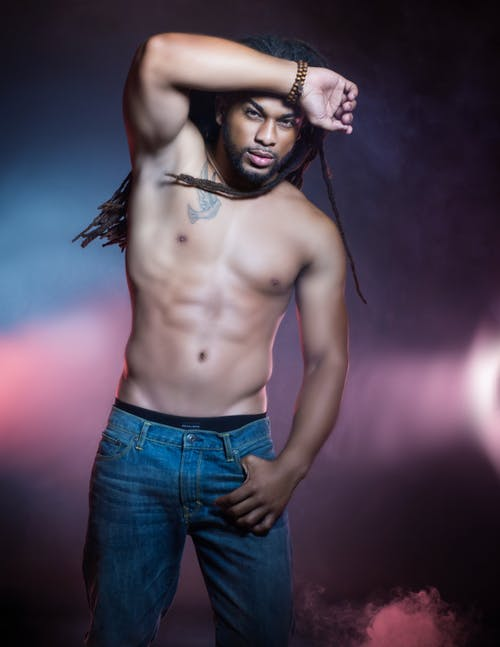 Základová fotografie zdarma na téma bez trička, dobře vypadající, model, muž