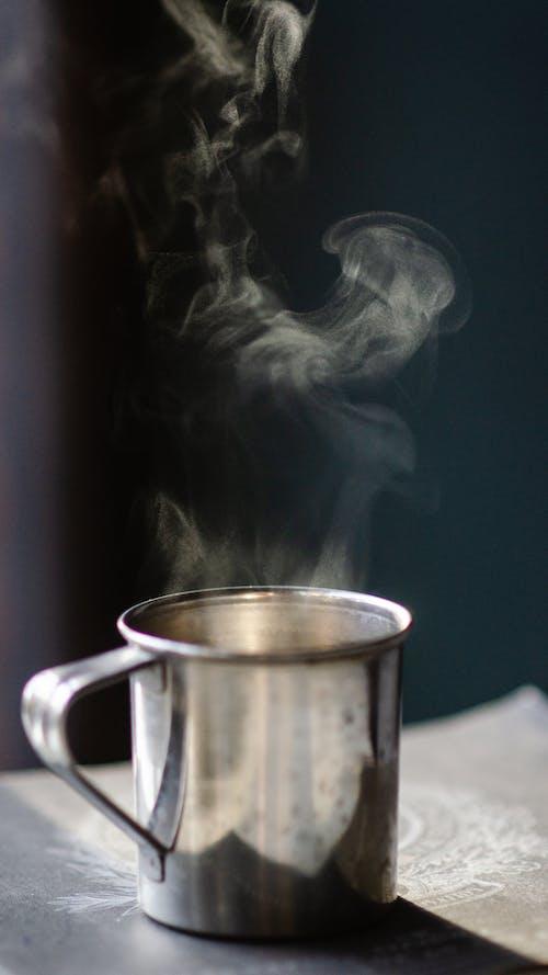 bir fincan kahve, çekici, Fincan, Gıda içeren Ücretsiz stok fotoğraf