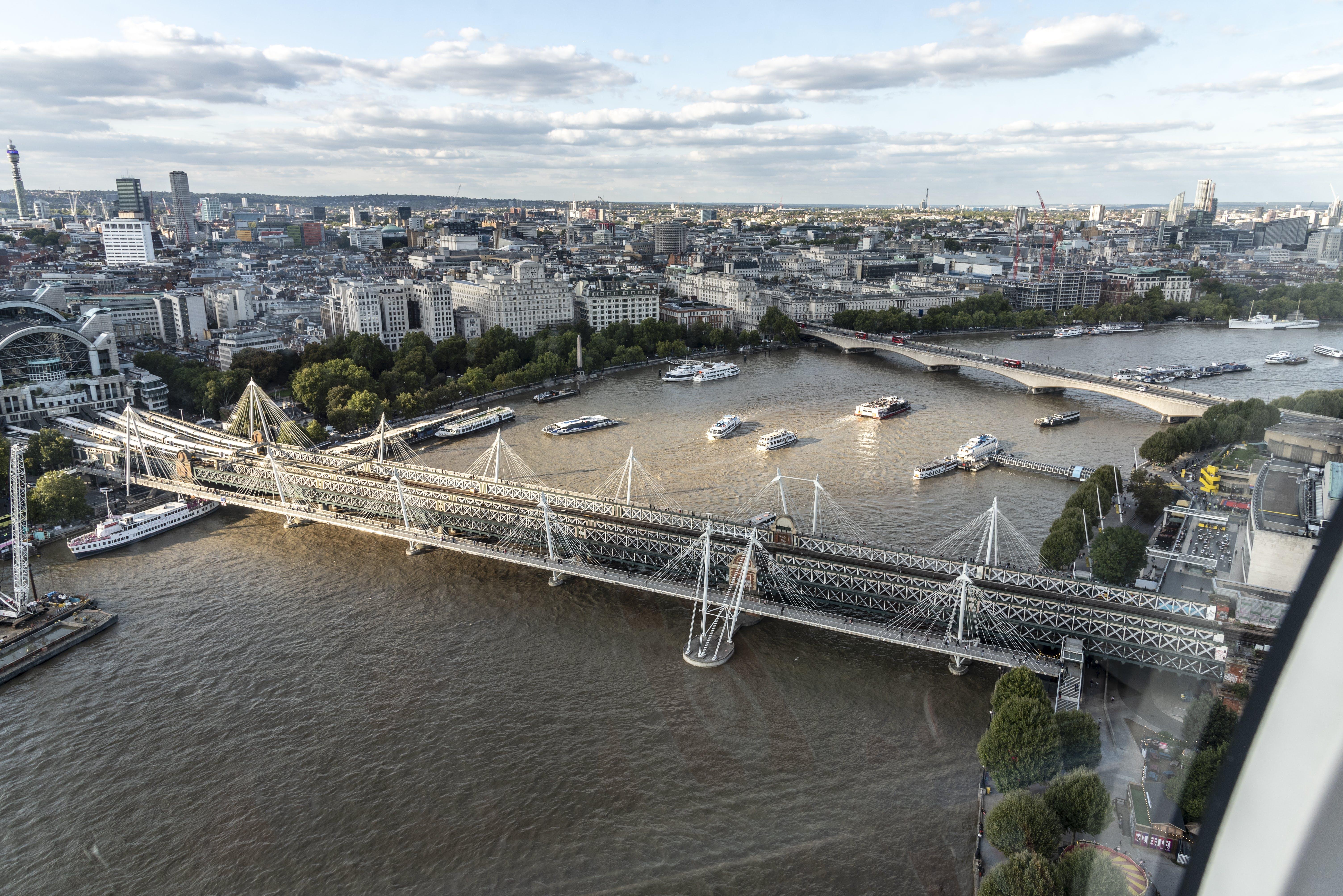 Δωρεάν στοκ φωτογραφιών με κοιτάζοντας προς τα κάτω από το eye london