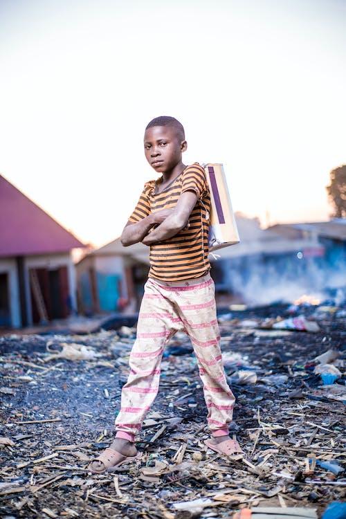 aşındırmak, çanta, çevre, çocuk içeren Ücretsiz stok fotoğraf