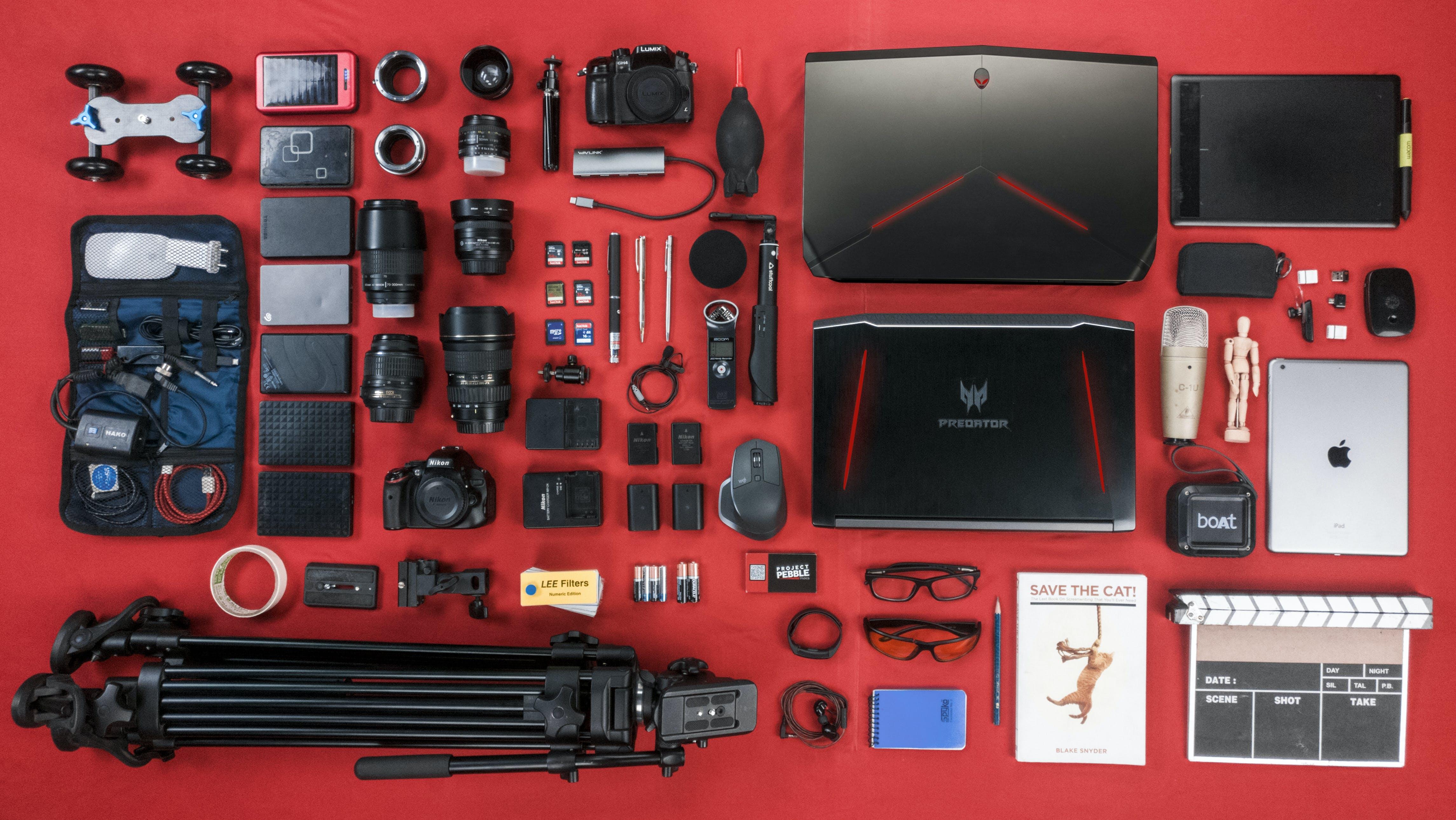 Foto profissional grátis de alienware, câmera, computador portátil, engrenagem
