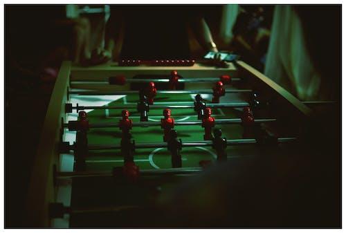 Darmowe zdjęcie z galerii z gra, ludzie, rozmyty, wewnątrz