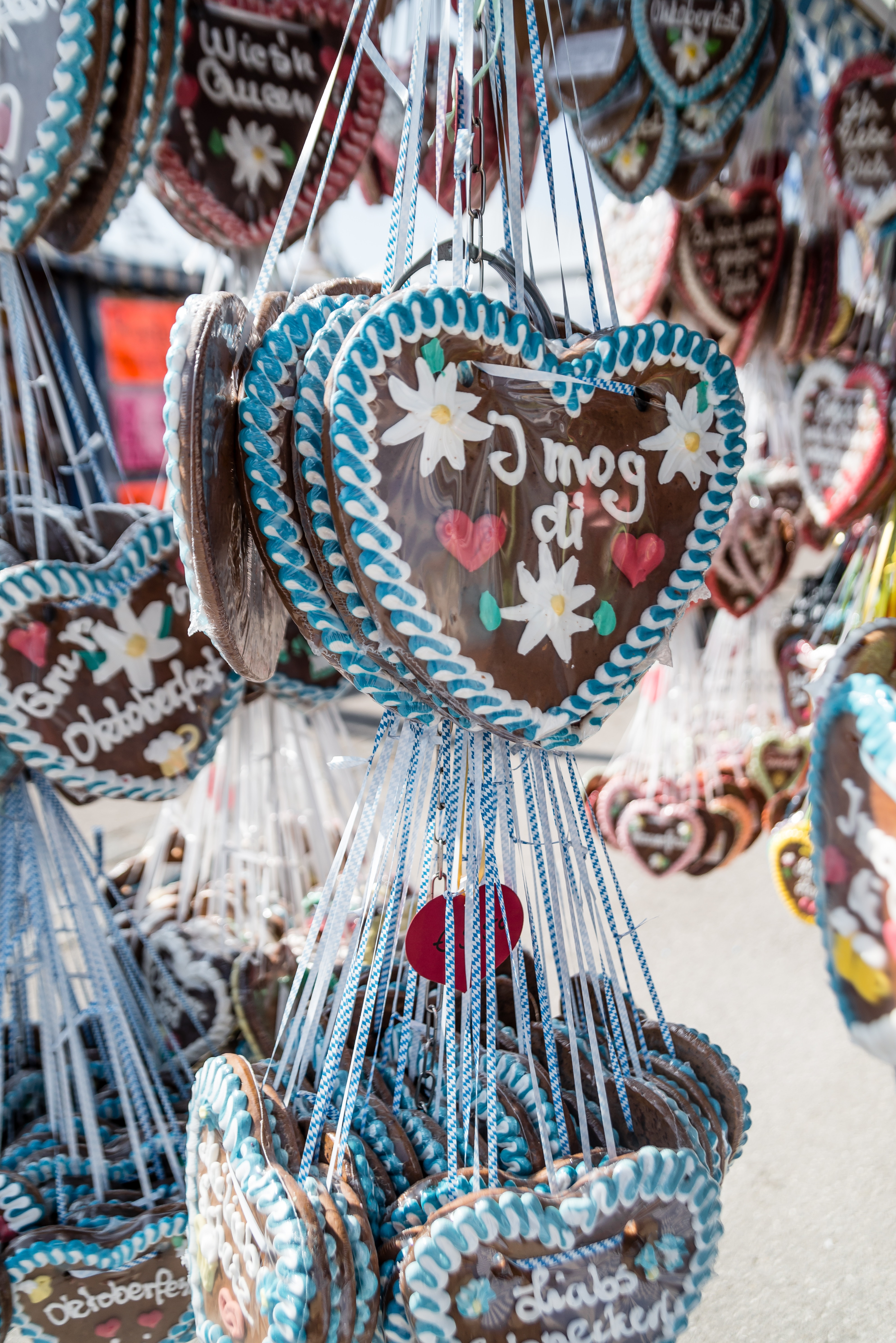Brown, White, and Blue Heart Decor Lot · Free Stock Photo