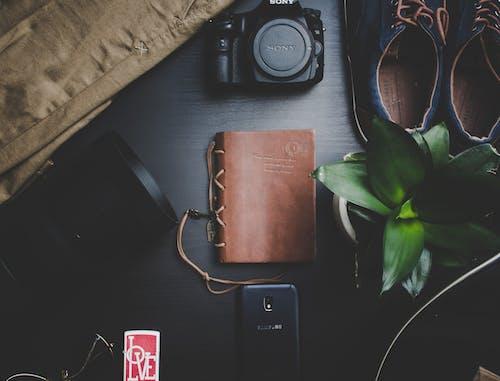 Imagine de stoc gratuită din aparat de fotografiat, caiet, echipament, flatlay