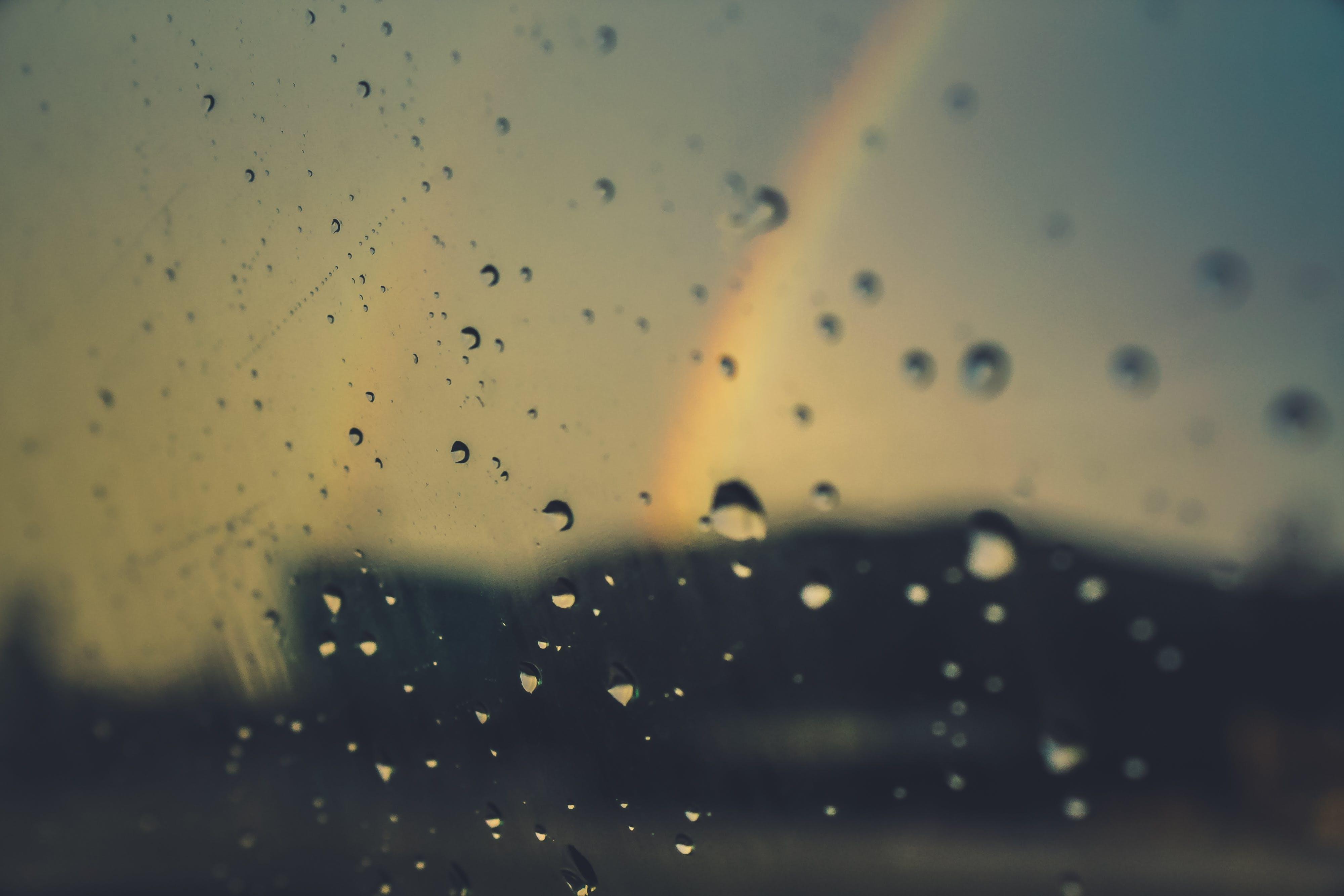 Darmowe zdjęcie z galerii z ciekły, h2o, kolory, krople deszczu