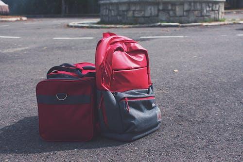 คลังภาพถ่ายฟรี ของ กระเป๋า, กลางวัน, ภูมิทัศน์, ยางมะตอย