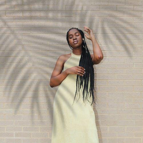 드레스, 매력적인, 머리, 머리띠의 무료 스톡 사진