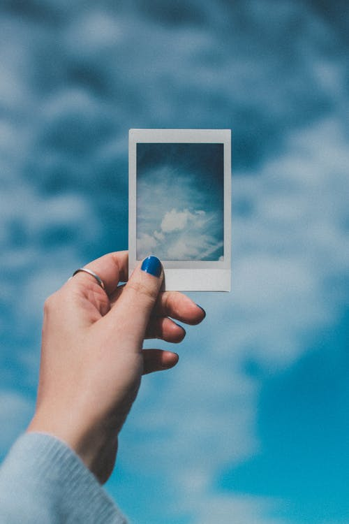 夏天, 天空, 女人, 拍立得 的 免费素材照片