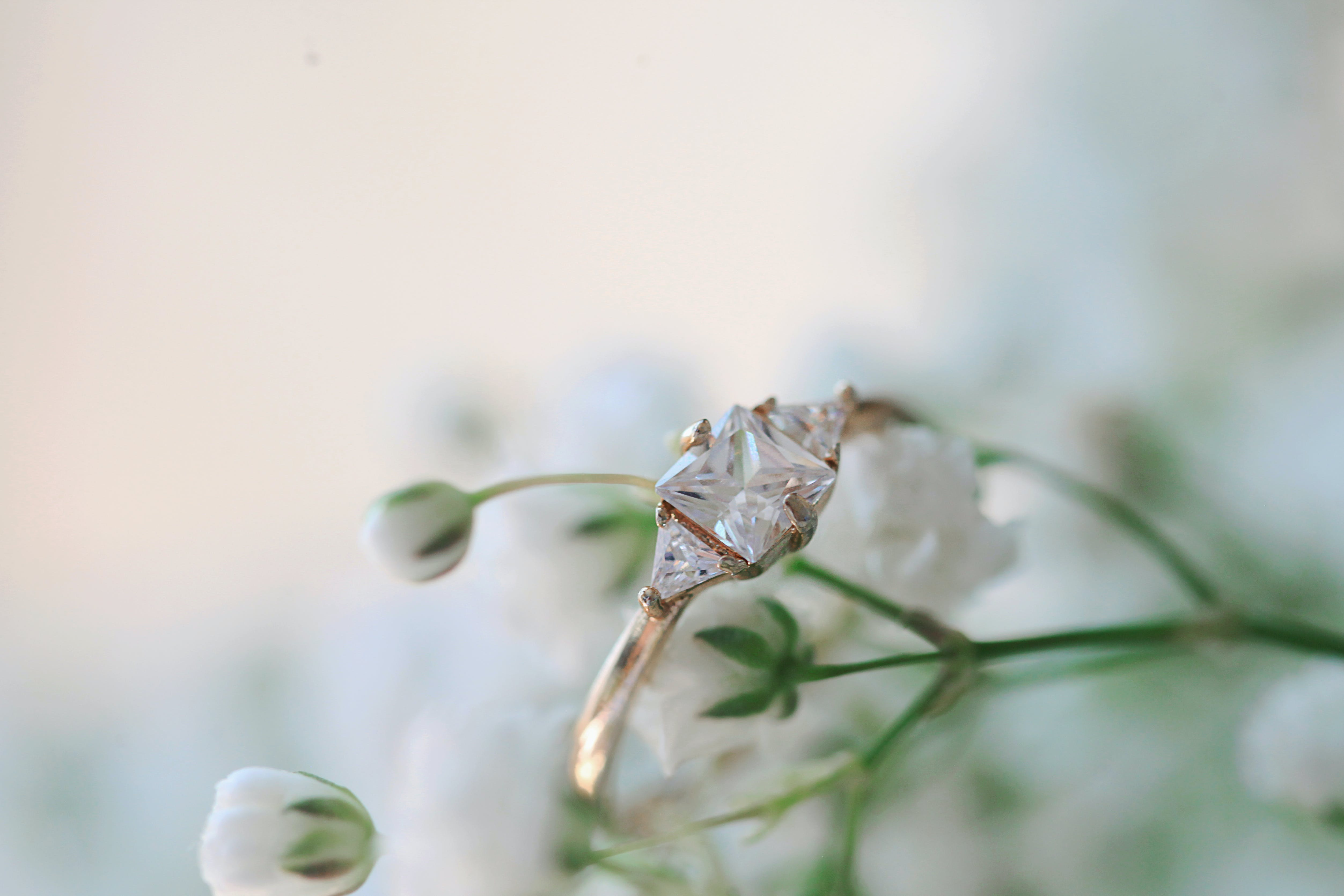 Gold-colored Solitaire Ring
