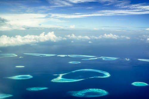 adalar, bulutlar, deniz, deniz kıyısı içeren Ücretsiz stok fotoğraf
